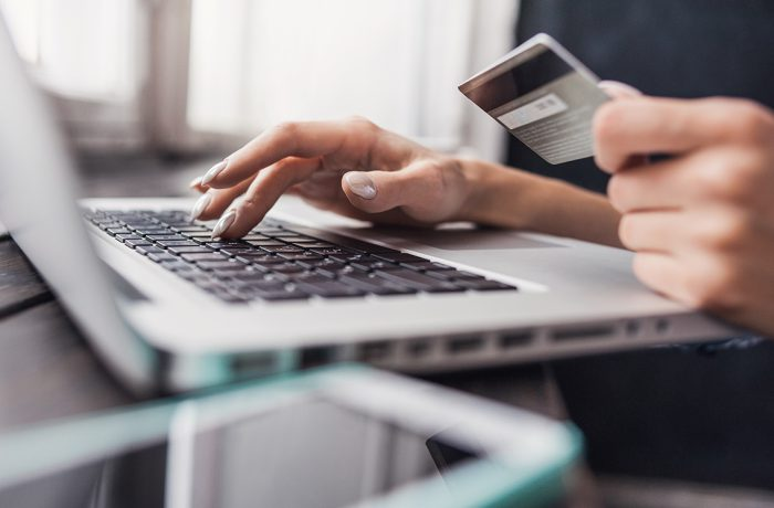 400 thousand payment cards records posted online for sale